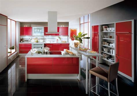 sitzfläche polstern wohnzimmer mit gr 252 nen w 228 nden und roten polstern