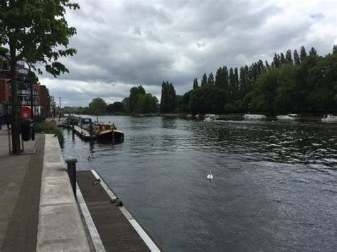 thames river dining the river thames outside of the restaurant picture of