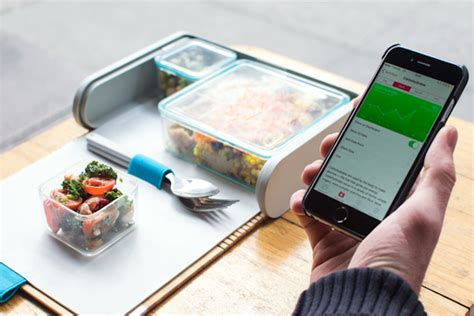 lunch box planner app this futuristic lunchbox looks awesome and we want it