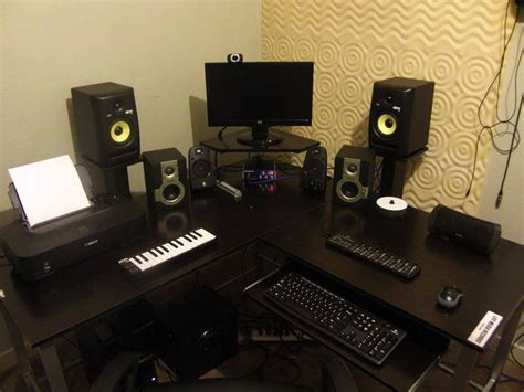 Corner Desk Home Studio Pinterest Desks And Corner Desk Studio Corner Desk