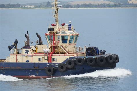 tug boat singapore a tugboat in sydney harbour before the strike started at
