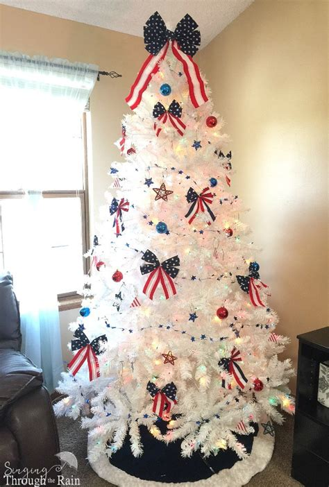 how to create a simple and elegant 4th of july tree