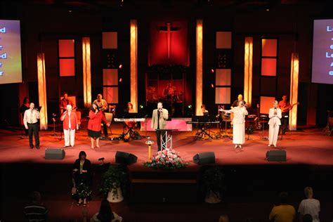 contact churchstagedesignideascom truss and coroplast church stage design ideas