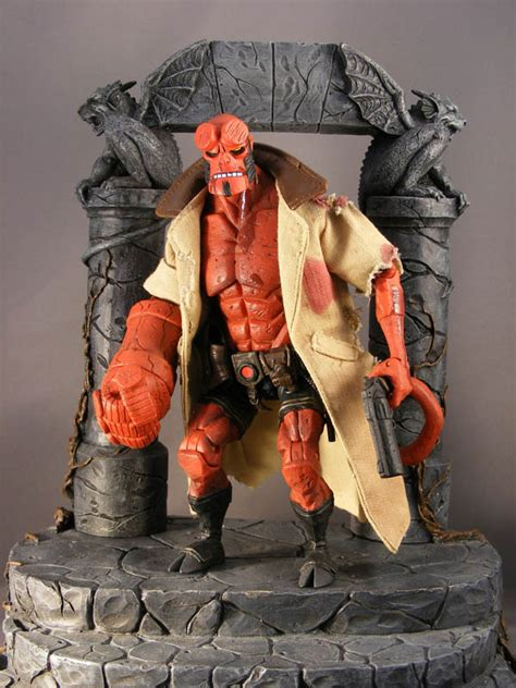Sale Figure Mezco Hellboy Hell Boy Preview Exclusive Segel show and tell gt hellboy comic figures poeghostal