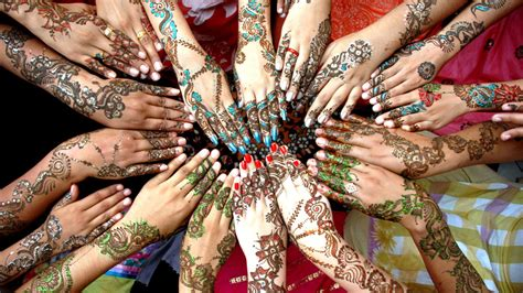 muslime weltweit feiern das ende des ramadans