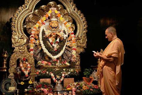 lord narasimha dev mayapur nrsimha s wonderful pastimes ceto darpaṇa mārjanaḿ