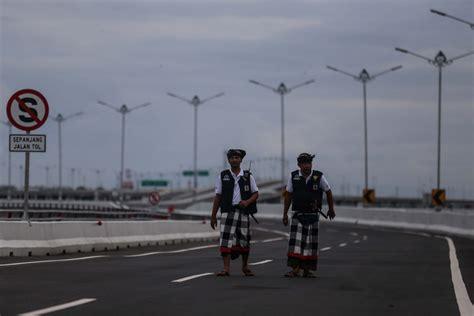 bali nyepi shutdown  tourists banned  airports beaches