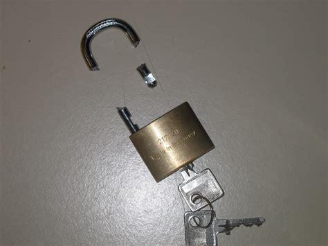 No Closet Solution by File Image Wikimania 5 Agosto Broken Lock Png