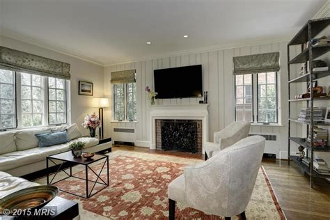 The Living Room Washington Dc This Just In Lara Logan Of Cbs News Sells Warm And