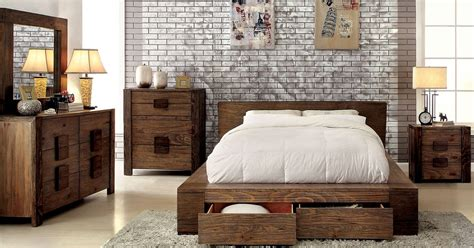 arrange  small bedroom  big furniture