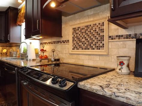 Eat At Kitchen Island border backsplash design
