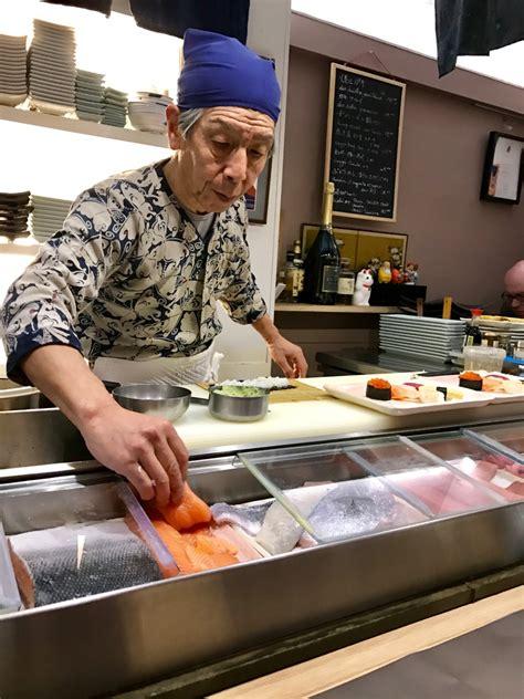 restaurant japonais chef cuisine devant vous restaurant japonais nonbe daigaku par yosuke suetsugu