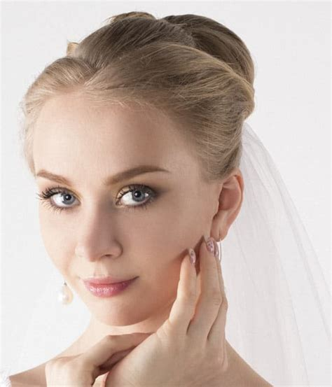 Wedding Hairstyles With Veil And High Bun by Simple Wedding Hairstyles The Bun Updo