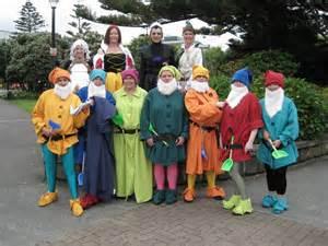 7 dwarfs halloween costumes adults snow white amp the 7 dwarfs