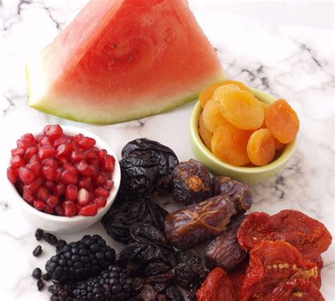 fruit high in iron top 10 fruits high in iron to increase haemoglobin levels