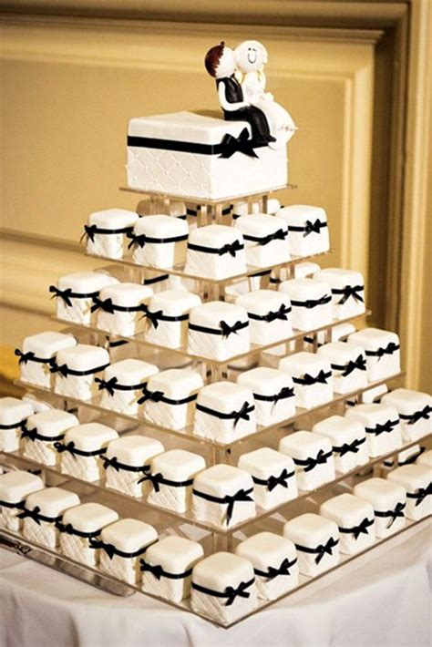 Simple Wedding Cake And Cupcakes by Wedding Cakes With Cupcakes Wedding Cake Cupcakes Best 25
