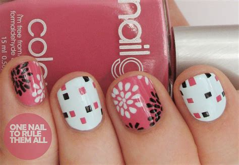 Nail Art Giveaway - one nail to rule them all nail girls nail art and giveaway