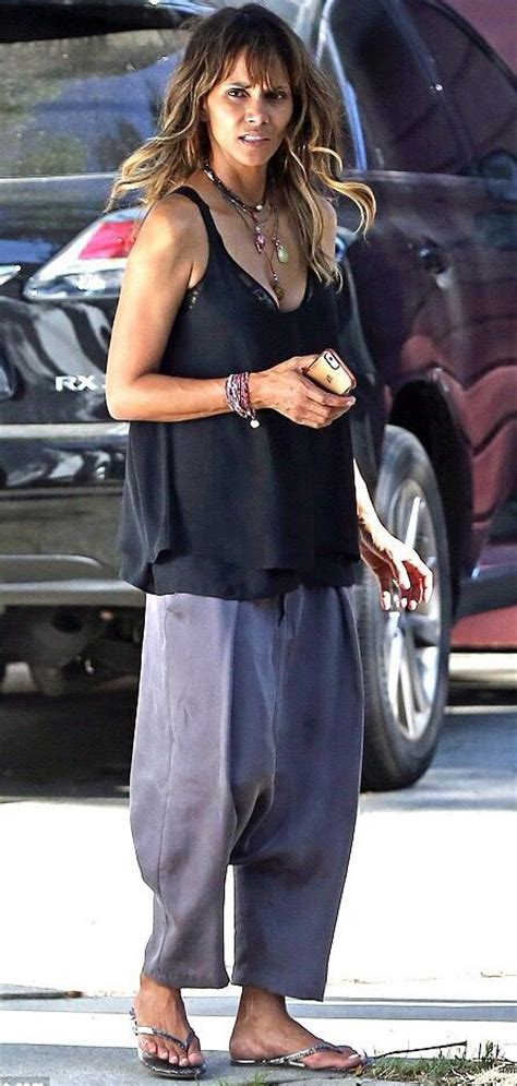 Style Halle Berry by 195 Best Halle Berry Casual Everyday Style Images On