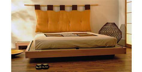 cadre de lit japonais cinius lit en bois quot quot lit japonais en h 234 tre massif lamell 233 con 231 u pour contenir les tatami