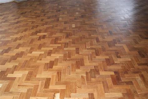 buy parquet laminate vinyl wooden flooring dubai
