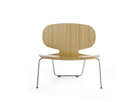 chair with wide seat in plywood for waiting room idfdesign