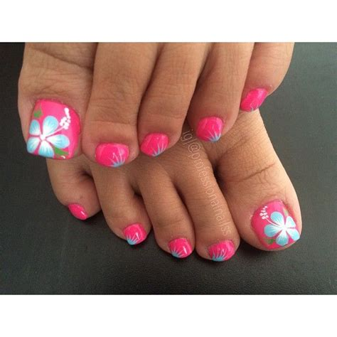 flower design on toes 9 sizzling summer pedicure ideas flower power toe and