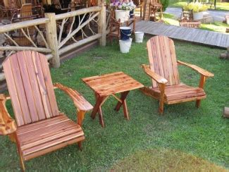 Outdoor Cedar Furniture by Pine Vs Cedar Outdoor Furniture Outdoor Furniture
