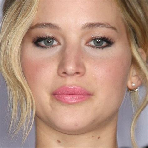 jennifer lawrence makeup brown eyeshadow gold eyeshadow