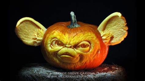 imagenes calabazas terrorificas halloween escultor convierte calabazas en arte de terror fotos