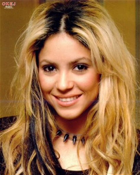 how to add brown roots on blonde hair what s the best shakira look shakira talk