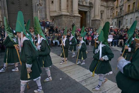 la procesion infinita 8433998382 murcia luce devoci 243 n infinita semana santa en la regi 243 n