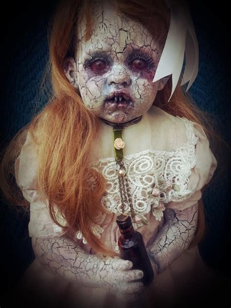 25 Best Ideas About Creepy by 25 Best Ideas About Scary Dolls On Creepy