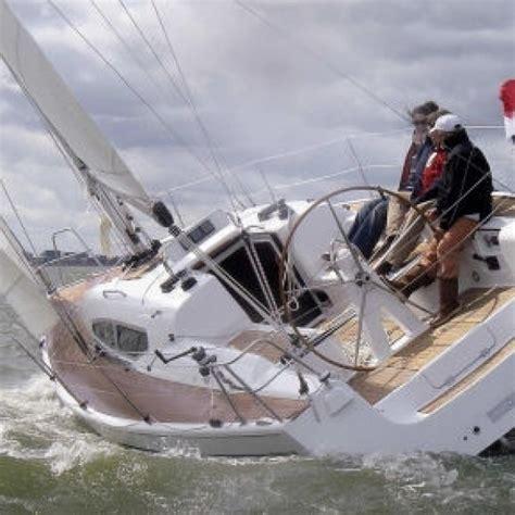 kajuitzeilboot huren ijsselmeer dehler 32 kajuit zeilboot monnickendam botentehuur nl