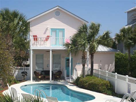 Destin House Rentals by Flamingo Pool In Destin