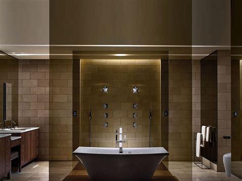 banheiro de luxo decorado  banheira preto