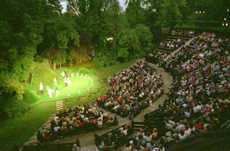 Open Air Theater Englischer Garten München by Best 25 Open Air Theater Ideas On Theater