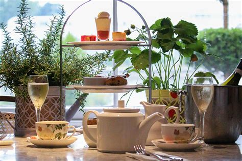 Kew Gardens Tea by Visit To Kew Gardens With Prosecco Afternoon Tea At The