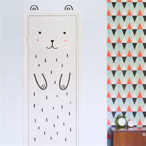 Stiker Lucu Imut Menarik Sing Live Stiker Ini Akan Mengubah Pintu Di Rumahmu Jadi Hewan Hewan