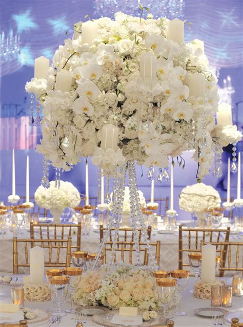 Decorate Your Wedding Reception In Italy Stylish Floral Wedding Flowers For Tables Centerpiece