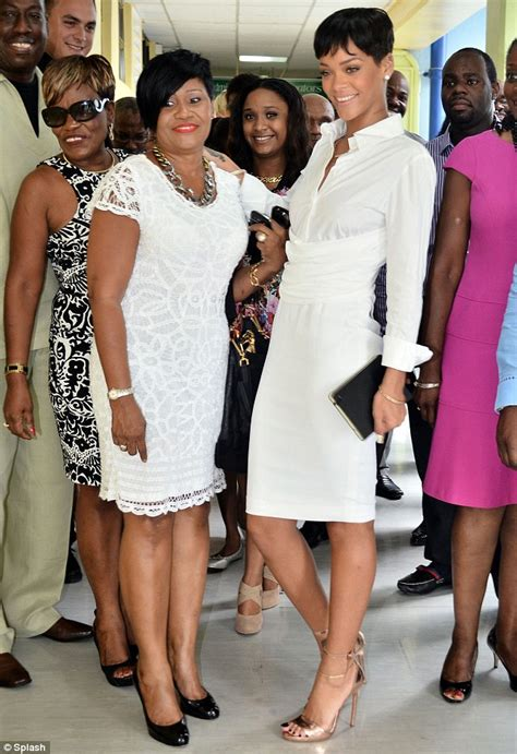 rihanna and her mom so that s where she gets it rihanna s mother monica shows