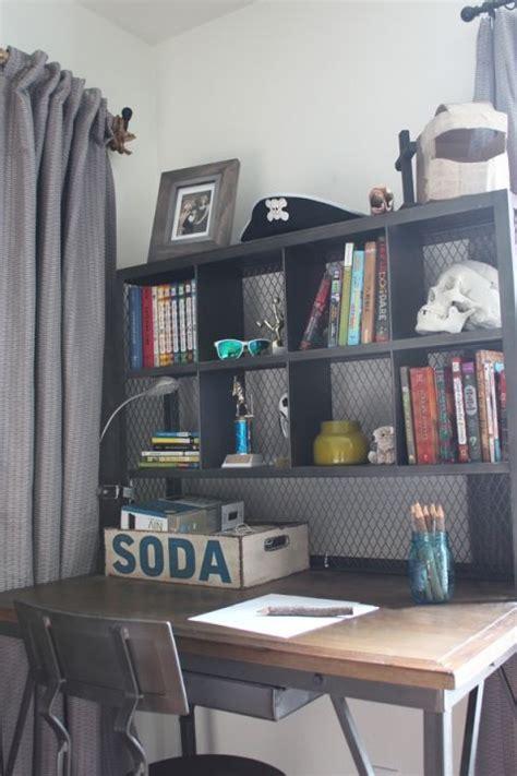 Boys Desk Ideas by 25 Best Ideas About Boys Industrial Bedroom On