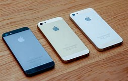 Image result for iPhone 5s vs 5se. Size: 254 x 160. Source: gearopen.com