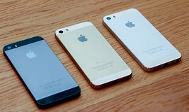 Image result for iphone 5s vs 5se. Size: 268 x 160. Source: gearopen.com