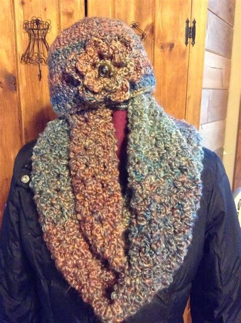 homespun yarn scarf pattern knit 1000 ideas about scarf hat on loom knitting