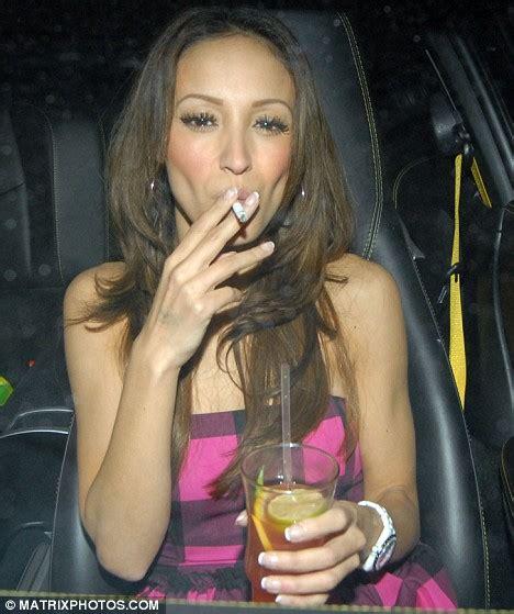 uk female celebrities smoking berrabah female celebrity smoking list