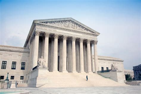 about the supreme court how many u s supreme court justices are there