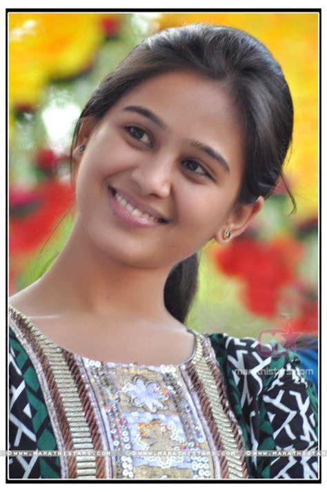 mrunal dusanis marathi actress photos wallpapers biography mrunal dusanis marathi actress photos 5
