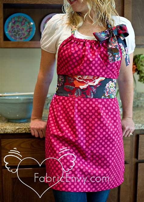 apron pattern cute diy apron they are so cute and easy crafting by holiday
