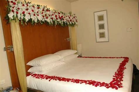 wedding flower decoration wedding bed decoration service