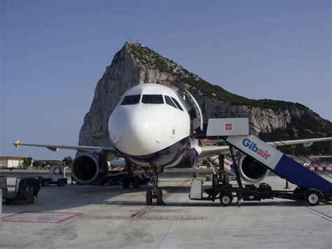 alquilar coche en puerto de tanger aeropuerto de gibraltar gib aeropuertos net